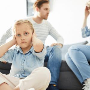 """Webinar """"Trudne emocje rodziców"""""""